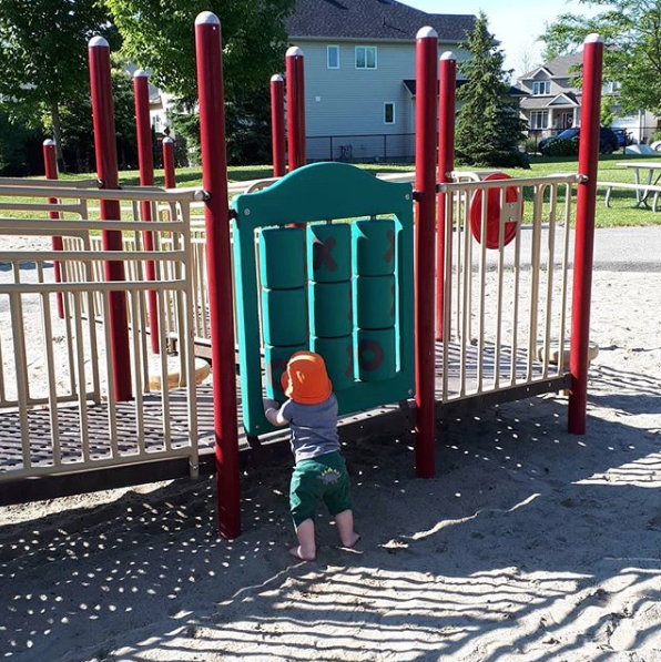 Amy Maureen Lynch kid at the playground